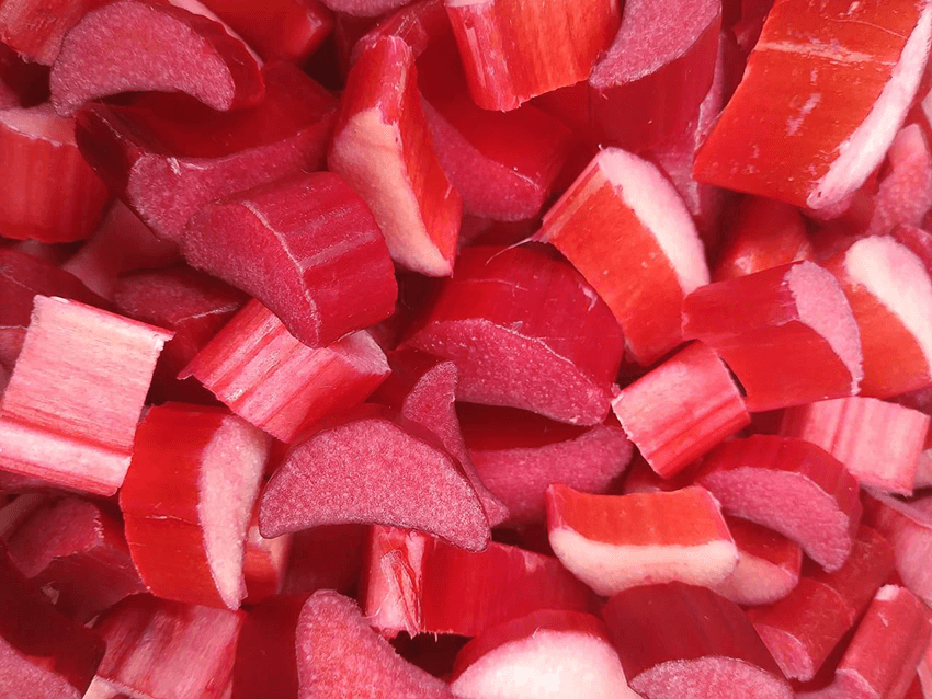 rhubarbe découpée en morceaux