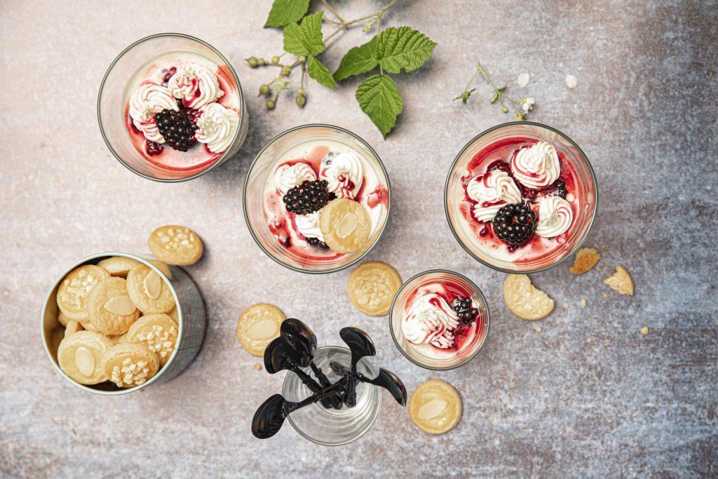 Panacotta de crème vanillée aux mûres